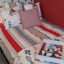 Сочная яркая кровать